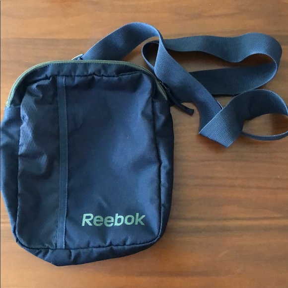 fast delivery the sale of shoes good texture Reebok cross body bag